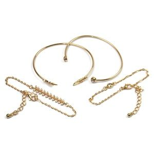Jewelry - 4 Stacking Bracelet Set Metal Wire Gold Golden